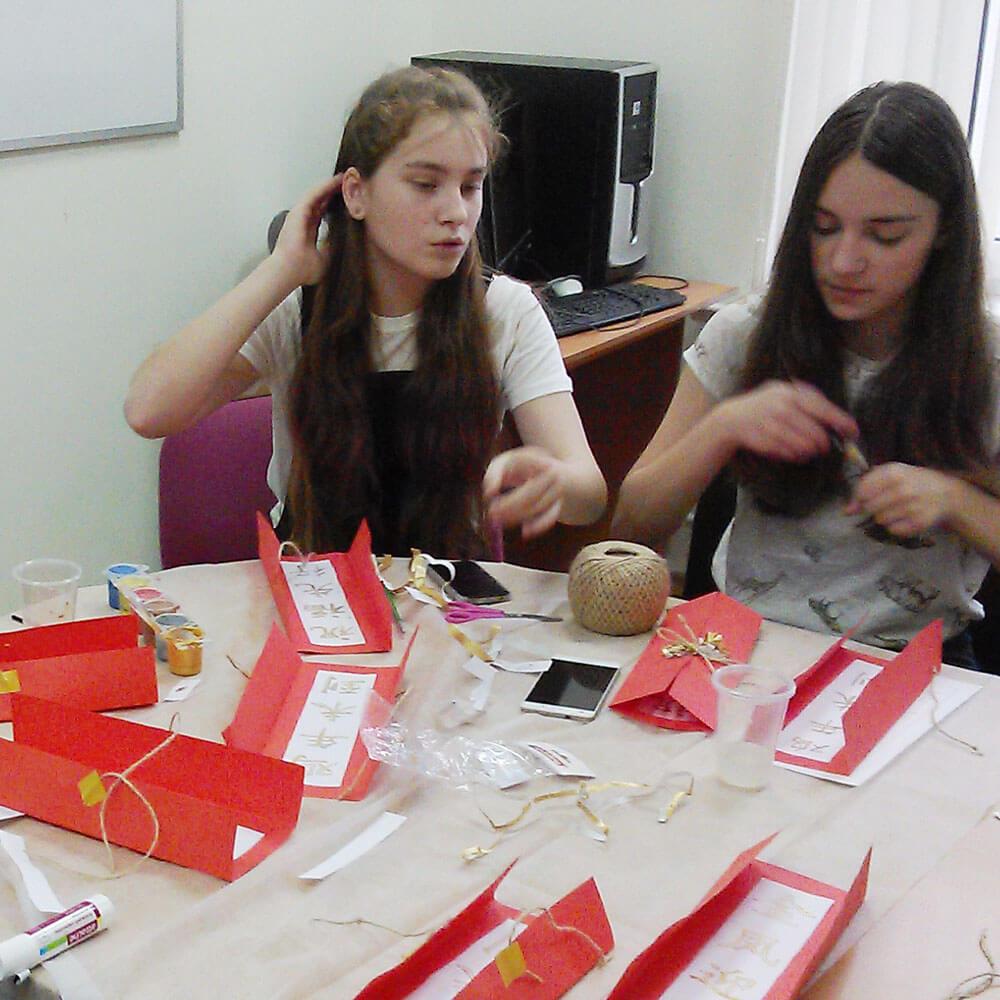 «Красные конверты» для подарков на праздник